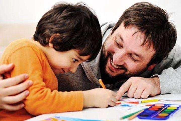 «یاداشت های روزانه من» بررسی می کند: نقش تشویق و تنبیه در فرزندپروری