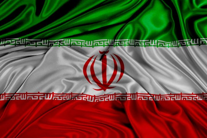 """تاریخ پرچم ایران در """"سایه روشن"""""""