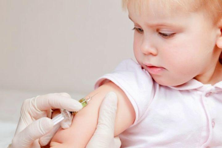 اهمیت واکسن در بدو تولد نوزاد