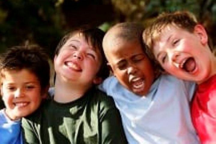 آشنا کردن نوجوانان با معیارهای انتخاب دوست