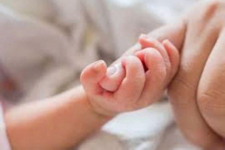 تفاوت دلبستگی و وابستگی کودک به مادر
