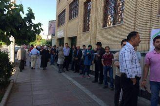 مردم در مسجد امام علی (ع) در میدان پونك
