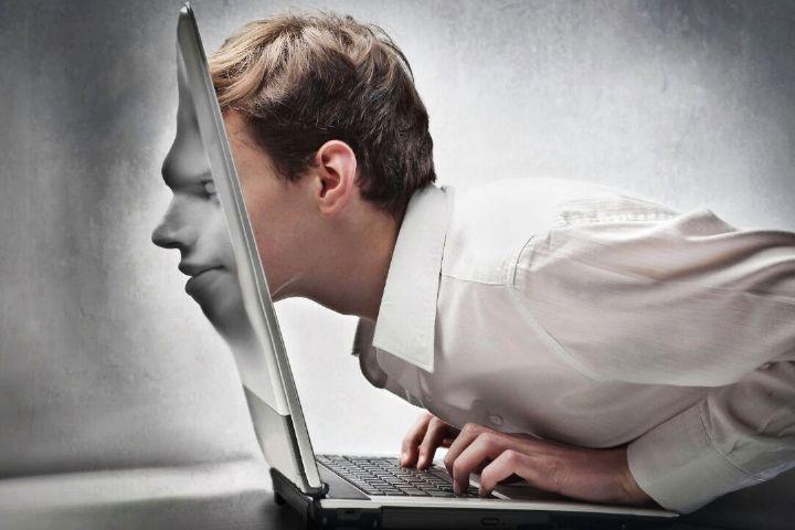 علل گرایش نوجوانان به سلبریتیهای مجازی