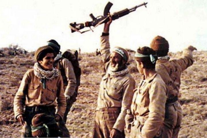 دفاع مقدس تا همیشه بر تارک تاریخ حماسه و ایثار و پایداری آزادگان جهان میدرخشد