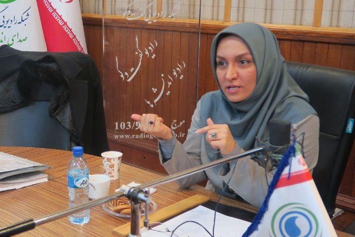 بیمهری خانوادههای ایرانی به زبانفارسی/ هشدار به مسئولان برنامهریز