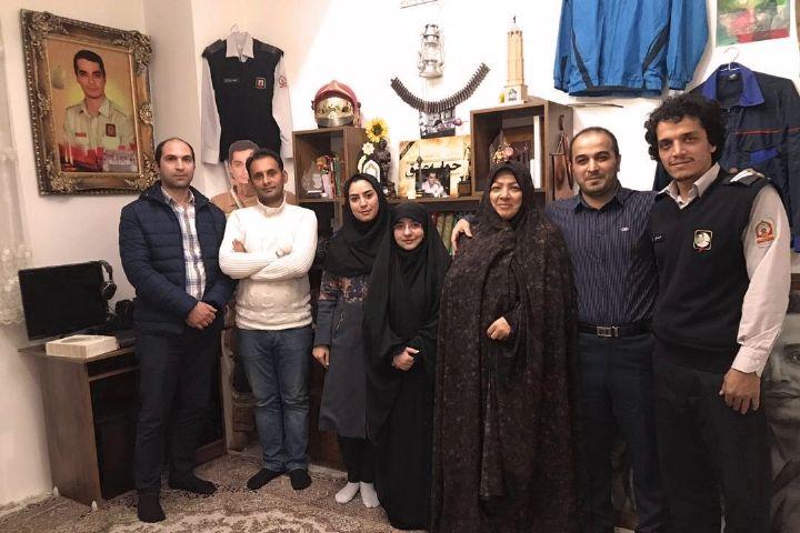 گرامیداشت یاد و خاطره آتشنشانان شهید پلاسكو در تهران میدان شهدا