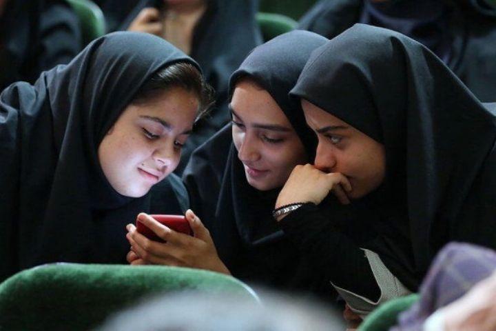 نوجوانان در تیررس هدفهای دشمن در فضای مجازی هستند