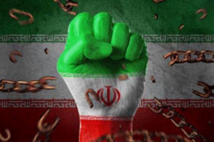 بررسی دقیق تاریخ و مقاومتهای مردم ایران برای مقابله با دشمنان ضروری است