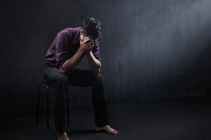 دكتر سیما فردوسی: افراد ناامید افسردگی را به دیگران منتقل میكنند+فایل صوتی