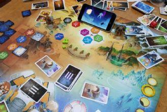 بررسی تقابل بازیهای سنتی با بازیهای موبایلی