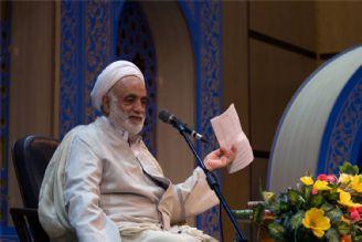 رییس ستاد اقامه نماز خواستار اهتمام معلمان در انتقال مفاهیم دینی به نسل جدید شد.