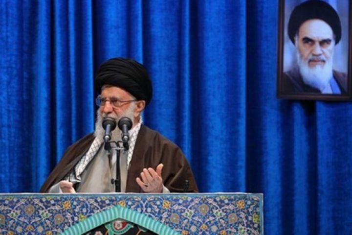 رهبر انقلاب: روزهای حضور دهها میلیونی مردم به پاس خون سردار سلیمانی از ایام الله است
