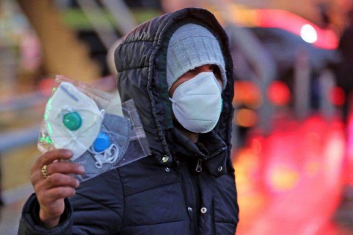 دولت ظرفیت داروخانه ها را برای توزیع ماسک نادیده گرفت