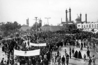 قیام نوزدهم دی مردم قم مبدا پیروزی انقلاب اسلامی شد