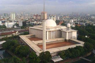 بازسازی بزرگ ترین مسجد جنوب شرق آسیا در اندونزی