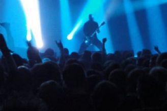 کنسرتها موجب شده خوانندگان از موسیقیهای فاخر فاصله بگیرند